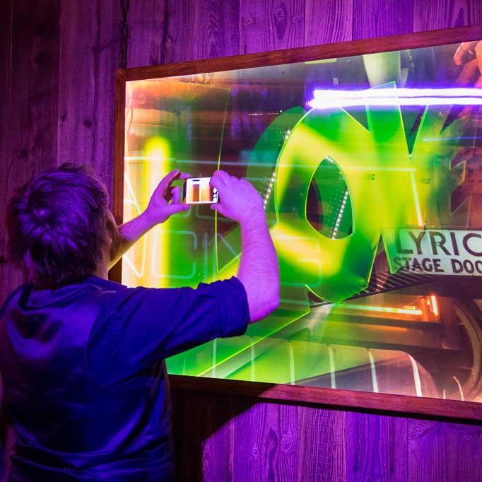 Luxart-Ausstellung2014-AllExitsAreFinal-Preview